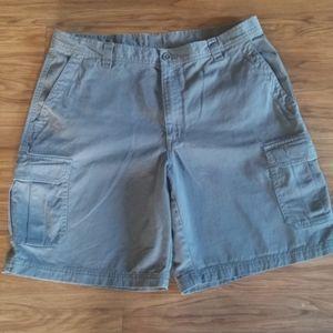 Columbia Cargo Shorts NWOT